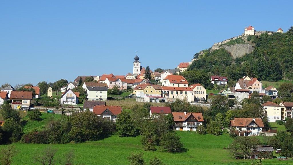 Singlewanderung Riegersburg - Graz - bubble-sheet.com